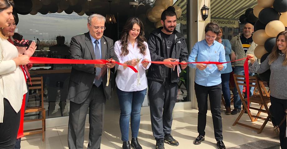 Tarihi Ortaköy Kumpircisi Gemlik'te Açıldı