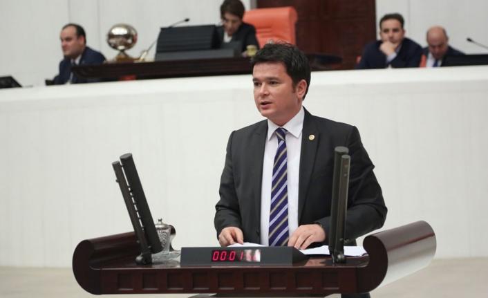 """CHP'li Aydın, Bakan Soylu'ya sordu: """"Belediyeler insan kaçakçılığına aracılık mı ediyor?"""""""