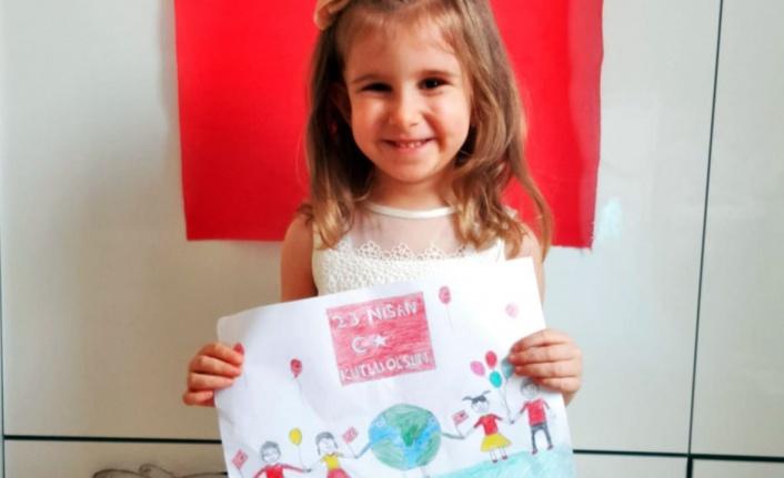 Çocuklar hayallerindeki çevreyi resimlere yansıttı