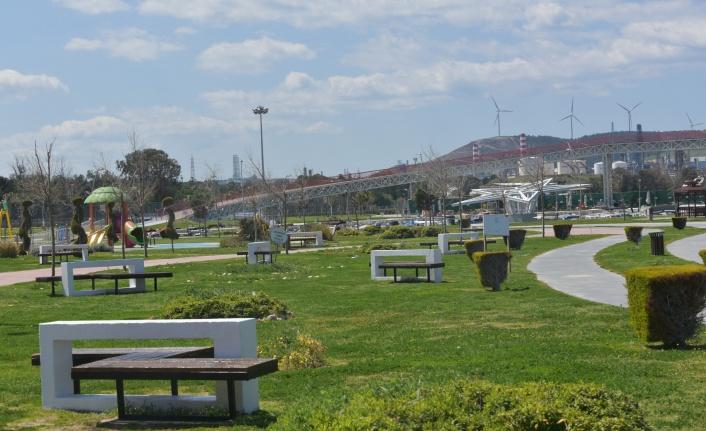 İzmir Aliağa'da Çocuk Oyun ve Rekreasyon Alanı yaza hazırlanıyor