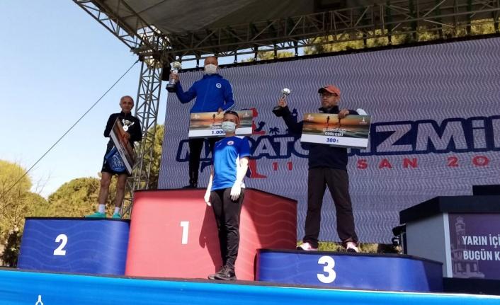 İzmir Maraton'da 60-65 yaş kategorisinde rekorunu Sakarya kırdı