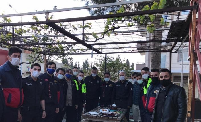 Manisa İtfaiyesi'nden polise sürpriz karşılama