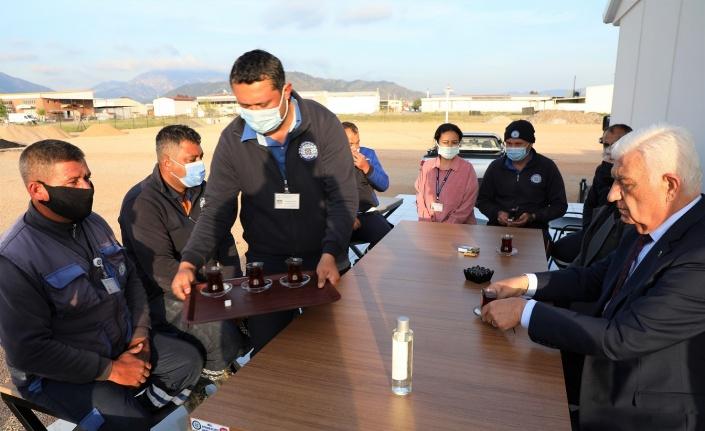 Muğla Büyükşehir Belediye Başkanı işçilerle buluştu