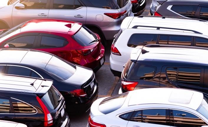 Otomobil fiyatlarındaki düşüş sürüyor