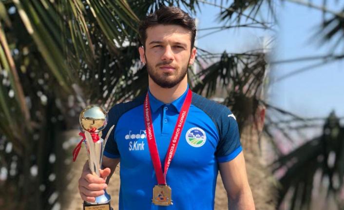 Sakaryalı sporcu halterde Türkiye şampiyonu oldu