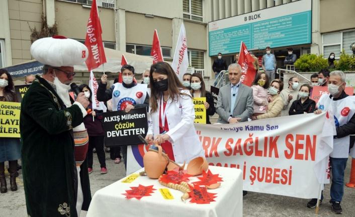 Türk Sağlık-Sen'den Kocaeli'de Nasreddin Hocalı eylem