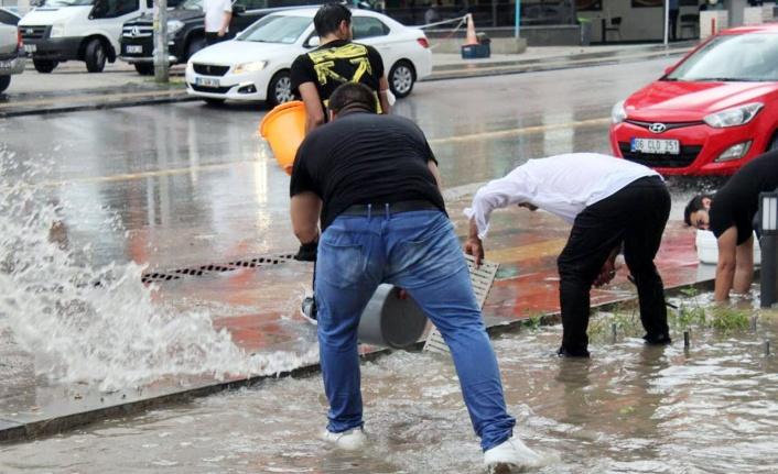 Ankara'yı sağanak yağış vurdu!
