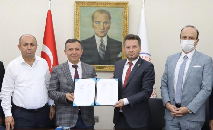 Kayseri'de sağlık işçilerinin toplu sözleşme sevinci