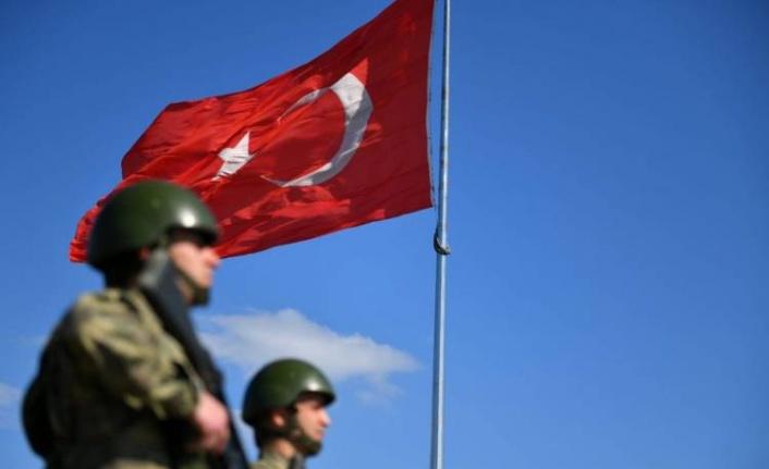Kırmızı bültenle aranan DEAŞ'lı sınırı geçemedi!