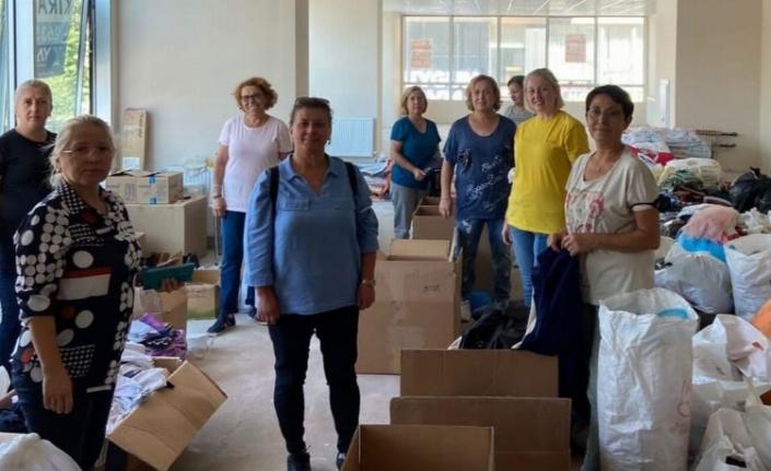 Tekirdağ'da CHP'li kadınlar yardımları afet bölgelerine gönderdi