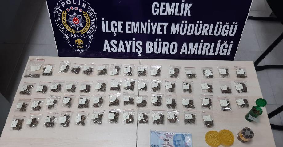 Gemlik'te Uyuşturucu Satıcıları Yakalandı