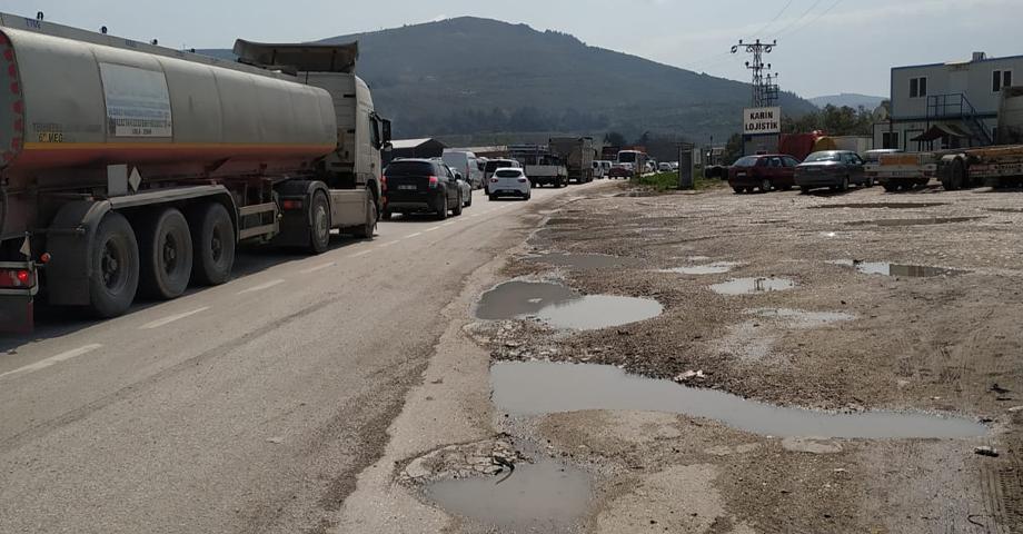 Gemlik-Bursa yolunda uzun kuyruklar oluştu