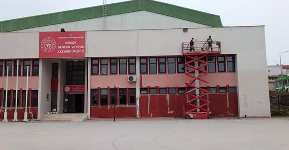Kapalı Spor Salonunda Bakımlar Tamamlanıyor