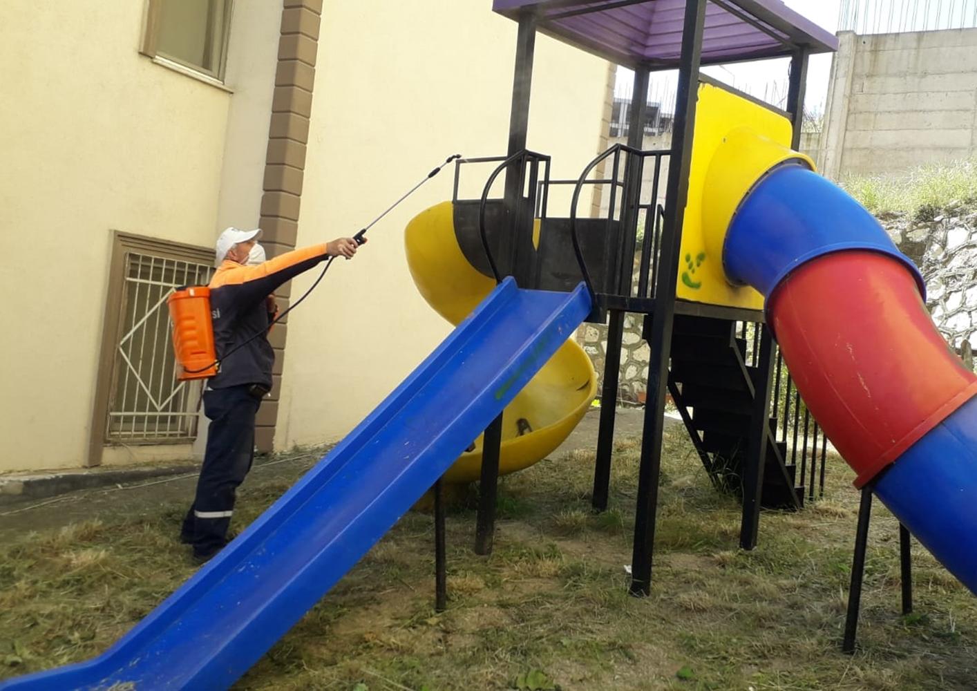 Gemlik'te parklar çocuklar için hazır