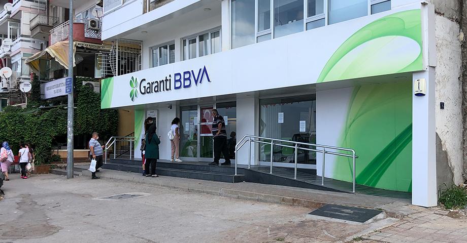 Gemlik Garanti Bankası'nda Koronavirüs Önlemi