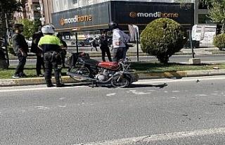 Adıyaman'da otomobil ile motosiklet çarpıştı:...