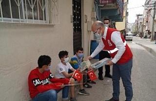 Genç Kızılay Bursa'dan çocuklara bayram sürprizi