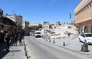 Mardin'de cadde ve sokaklar boş kaldı