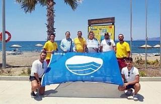 İzmir Aliağa Ağapark Plajı mavi bayrakla taçlandı