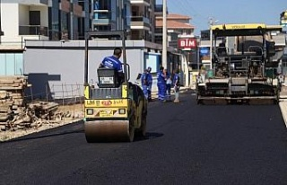 İzmir Menderes'te bozuk yollara düzen geliyor
