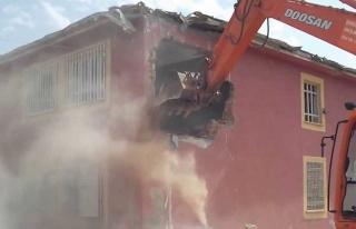 Valilik duyurdu! İşte Gemlik'te yıkılacak okullar