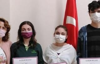 Hisar Anadolu Lisesi öğrencileri uluslararası başarıya...