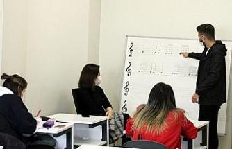 Diyarbakır'da hobi meslek kurslarına yoğun ilgi