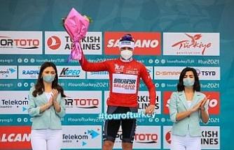 Kırmızı mayoyu Sakaryalı bisikletçi giydi
