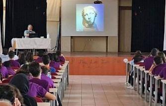 Fen Lisesi öğrencilerine Bergama tanıtımı