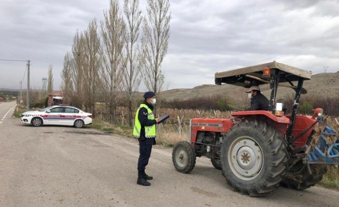 Aksaray Jandarması'ndan traktör mesaisi