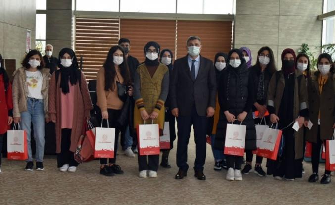 Batman'dan 'Yarın Çok Genç Olacak' proje öğrencileri Ankara'ya uğurlandı