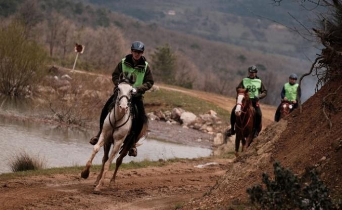 Tabiat Atlı Dayanıklılık Yarışları Kestel'de düzenlendi
