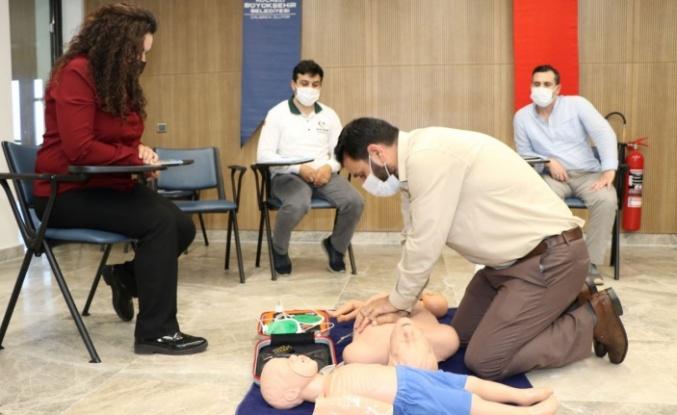 Kocaeli'de Hayrat İnsani Yardım üyelerine ilk yardım eğitimi