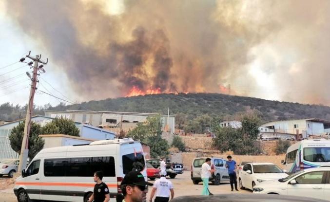 Bodrum'da yangın büyüyor
