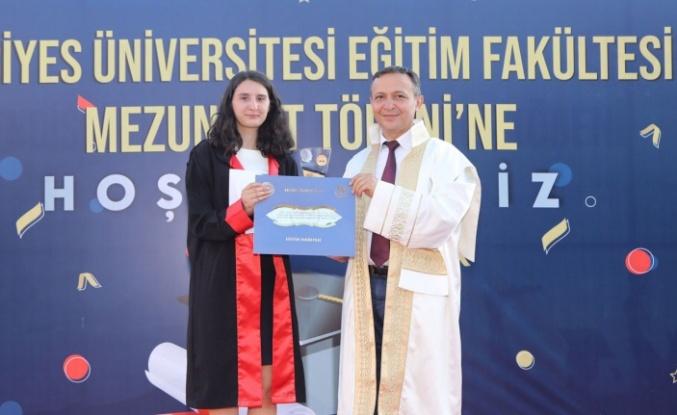 Kayseri ERÜ'de 460 'Eğitimci' mezun oldu