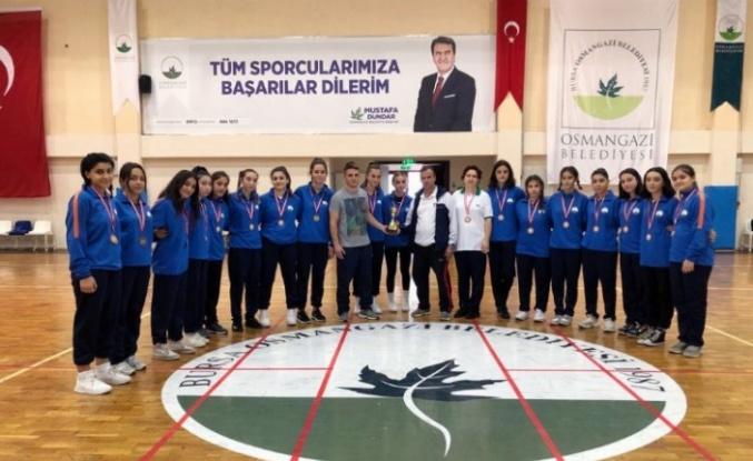 Bursa Osmangazi Hentbol Takımı altyapıdan 2. Lig'e yükseldi
