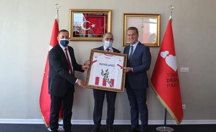Sarıgül'e Gemlikspor forması hediye edildi